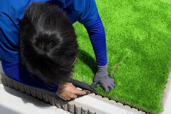 07 人工芝の固定