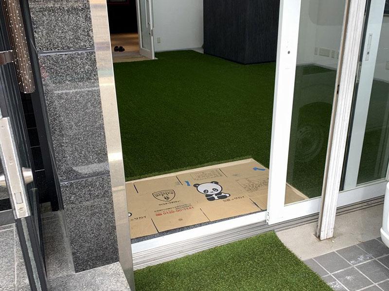 兵庫県明石市フィットネスジム様 室内に人工芝施工させていただきました