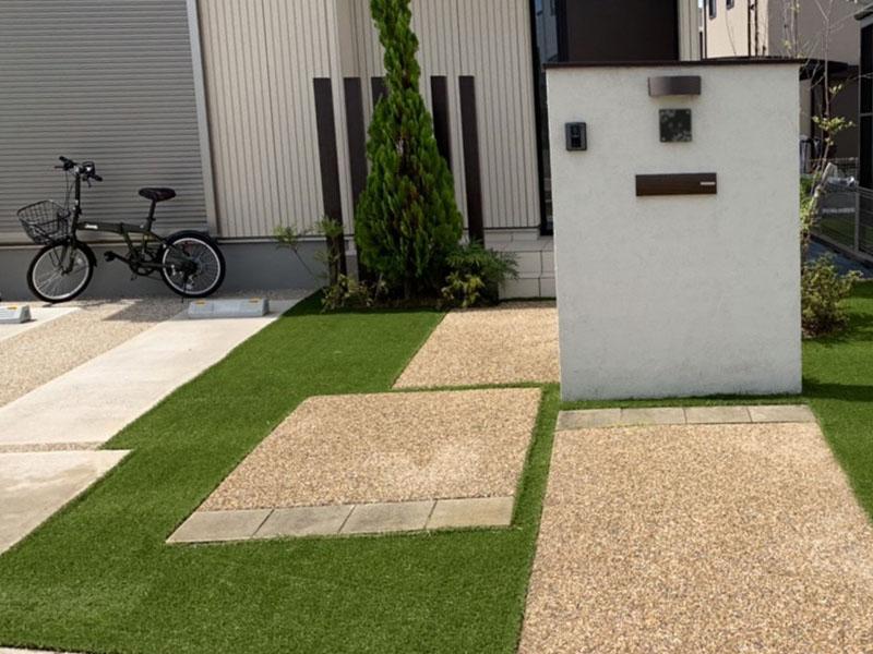 奈良県奈良市T様邸 玄関周りの人工芝施工