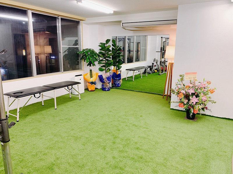 トレーニングスタジオ様 FIFA認定人工芝を敷きました