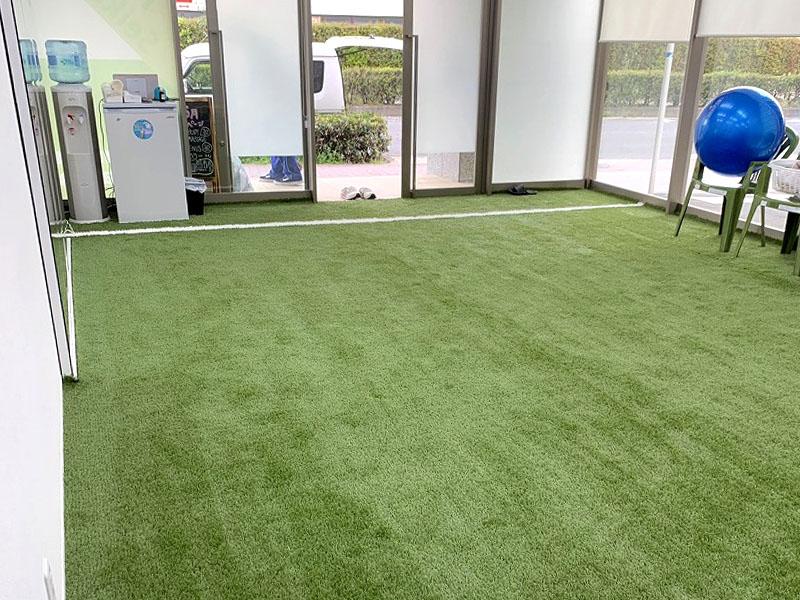 大阪府大阪市フィットネスクラブ様 FIFA認定人工芝を敷きました