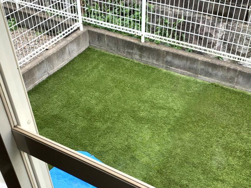 大阪府枚方市K様邸 専用に人工芝施工しました