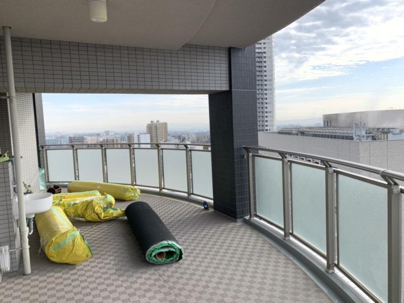 大阪府豊中市S様邸 テラスに人工芝施工しました