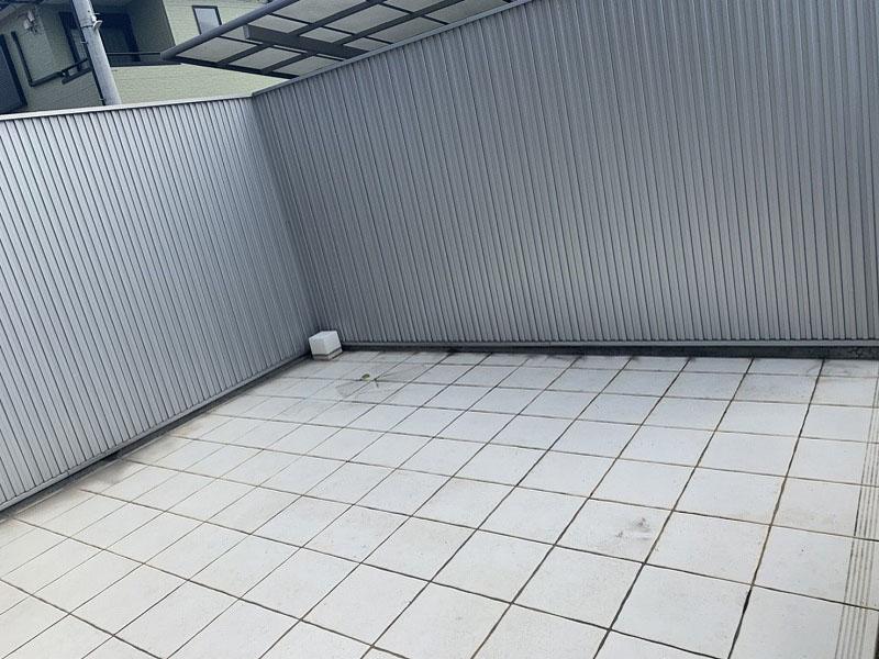大阪府枚方市O様邸 テラスに人工芝を敷かせていただきました
