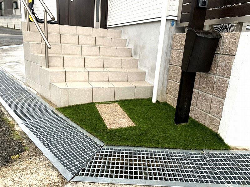 兵庫県神戸市K様邸 お庭と玄関の人工芝施工