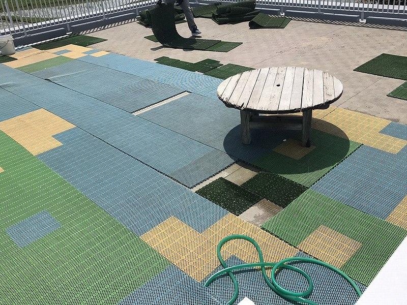 大阪府枚方市M保育園様 屋上に人工芝施工しました