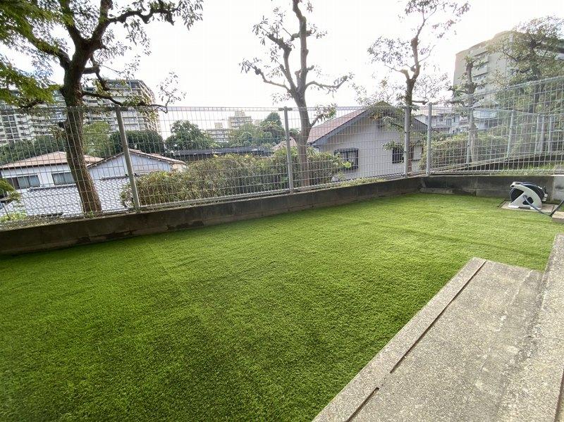大阪府吹田市M様邸 マンション専用庭の人工芝施工