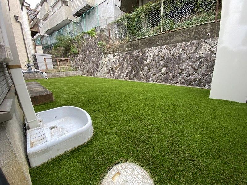大阪府寝屋川市H様邸 お庭に人工芝施工しました