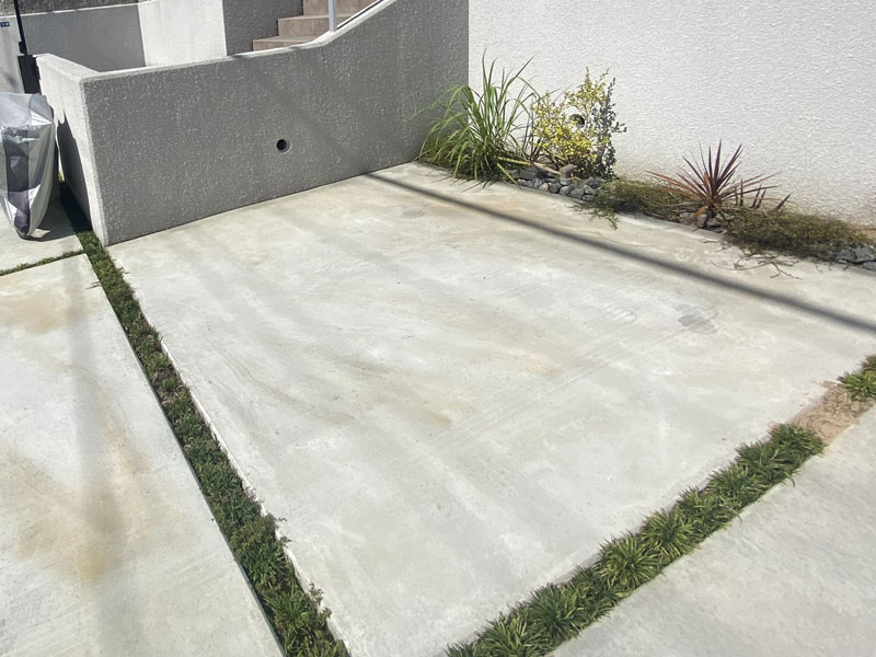 大阪府吹田市H様邸 お庭と駐車場の人工芝施工